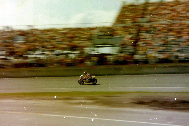 Photos: The Daytona 200 Thirty Five Years Ago   When Bikes Were Bikes & Men Were Men cecotto51976 635x423