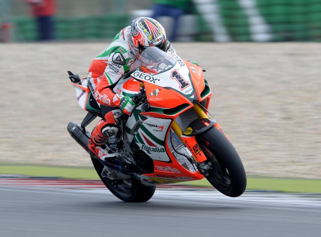 Max Biaggi Continues to Have a Hard Time Making Friends Max Biaggi Assen Superpole 2011 635x469