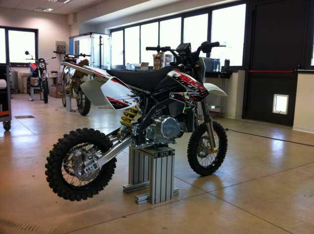 Brammo Encite   Electric Mini Moto MMX Racer Brammo Encite MMX 1 635x474