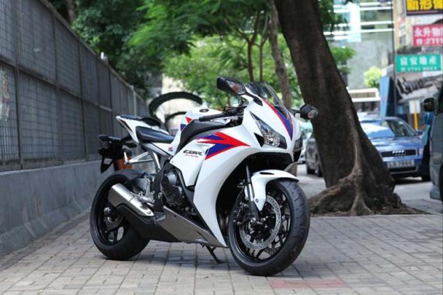 LEAKED: 2012 Honda CBR1000RR 2012 Honda CBR1000RR leak 12 635x423