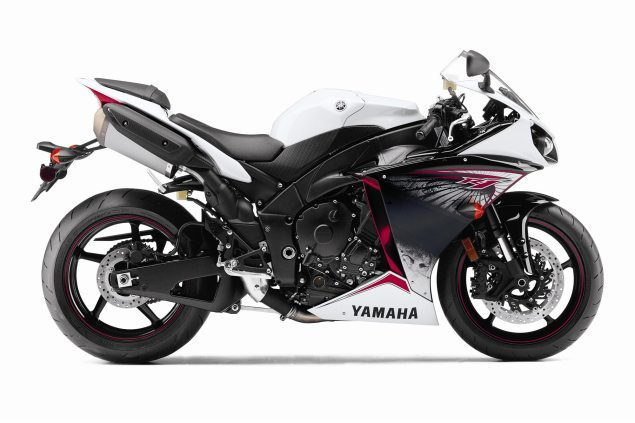 2012 Yamaha YZF R1   Traction Control Cometh 2012 Yamaha YZF R1 NA 10 635x423