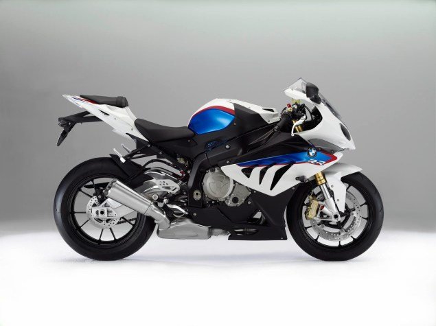 2012 BMW S1000RR   Tweaks Come to the Liter Bike King 2012 BMW S1000RR 26 635x475