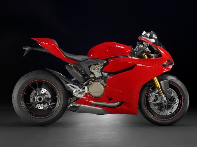 2012 Ducati 1199 Panigale Redefines the Word Superbike 2012 Ducati 1199 Panigale 20 635x475