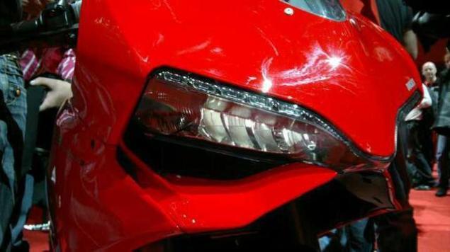 Ducati 1199 Panigale Leaks Ahead of EICMA 2012 Ducati 1199 Panigale S leak 5 635x356