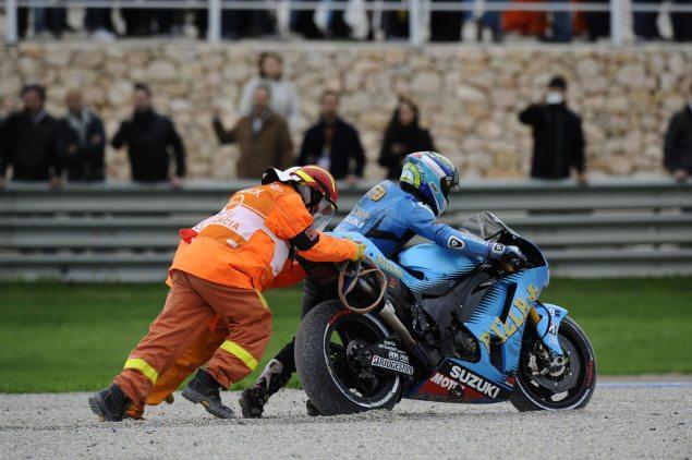 Álvaro Bautista Leaves Rizla Suzuki for Gresini Honda Alvaro Bautista crash Valencia 635x422