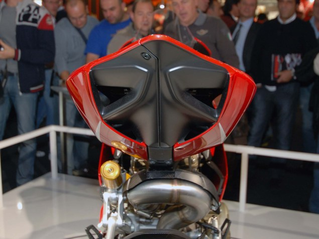 Up Close with the Ducati 1199 Panigale in Superstock Trim Ducati 1199 Panigale Supersport trim 14 635x476