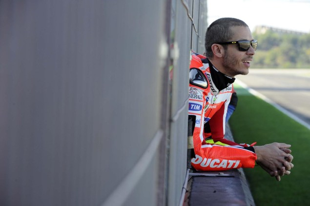 Rossi Rides with an Aluminum Perimeter Frame at Valencia While Hayden Sits Out the Test with a Broken Wrist Ducati Desmosedici GP0 test Valencia MotoGP 05 635x422