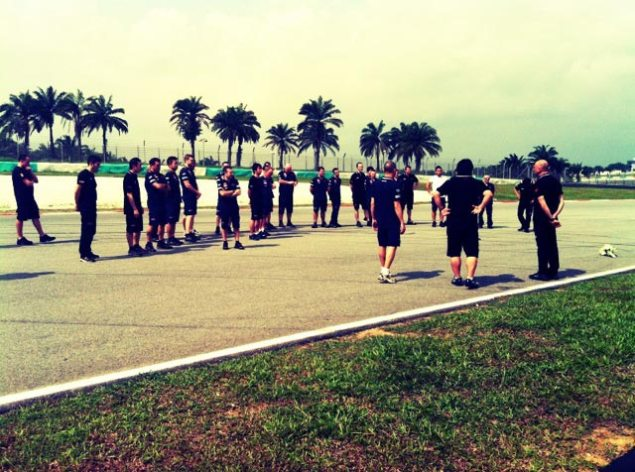 Sepang: HRC Pays Its Respects to Marco Simoncelli HRC Marco Simoncelli Sepang 635x472