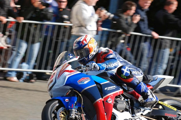 Keith Amor Will Race Supersport at the Isle of Man TT Keith Amor Isle of Man TT 2011 Jensen Beeler 10 635x423