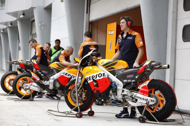 MotoGP: Test Results & Photos from Day 2 at Sepang HRC Sepang Test Day 2 Honda team 2 635x421
