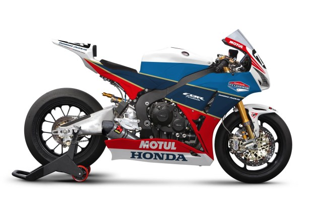 Honda TT Legends CBR1000RR is Sex on Two Wheels Honda TT Legends CBR1000RR livery small 02 635x419