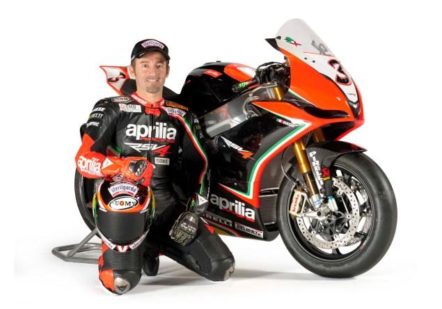 Video: Who is Max Biaggi? aprilia racing wsbk team rsv4 061 635x444