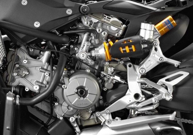 Photos: Underneath the Ducati 1199 Panigales Fairings Ducati 1199 Panigale naked 635x445