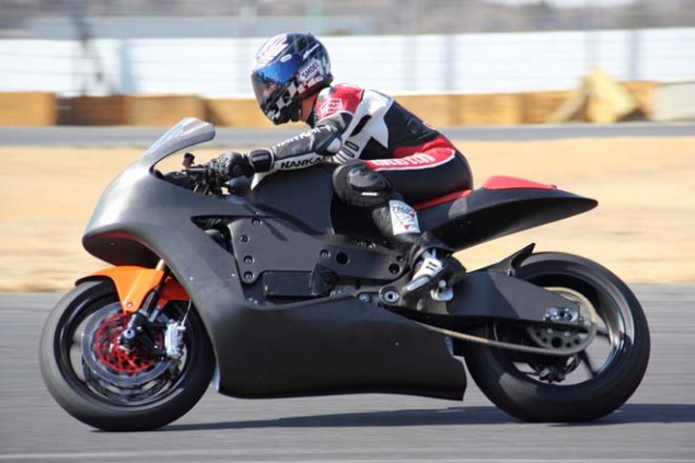 Photos: Mugen Shinden Caught Naked & Testing Mugen Shinden electric motorcycle 12 635x423