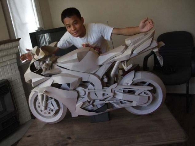 Cardboard Yamaha R1 Model is so Awesome It Hurts Cardboard Yamaha R1 01