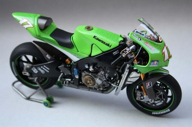 XXX: Randy de Puniets 2006 Kawasaki Ninja ZX RR Randy de Puniet 2006 Kawasaki ZX RR MotoGP scale model 19 635x423