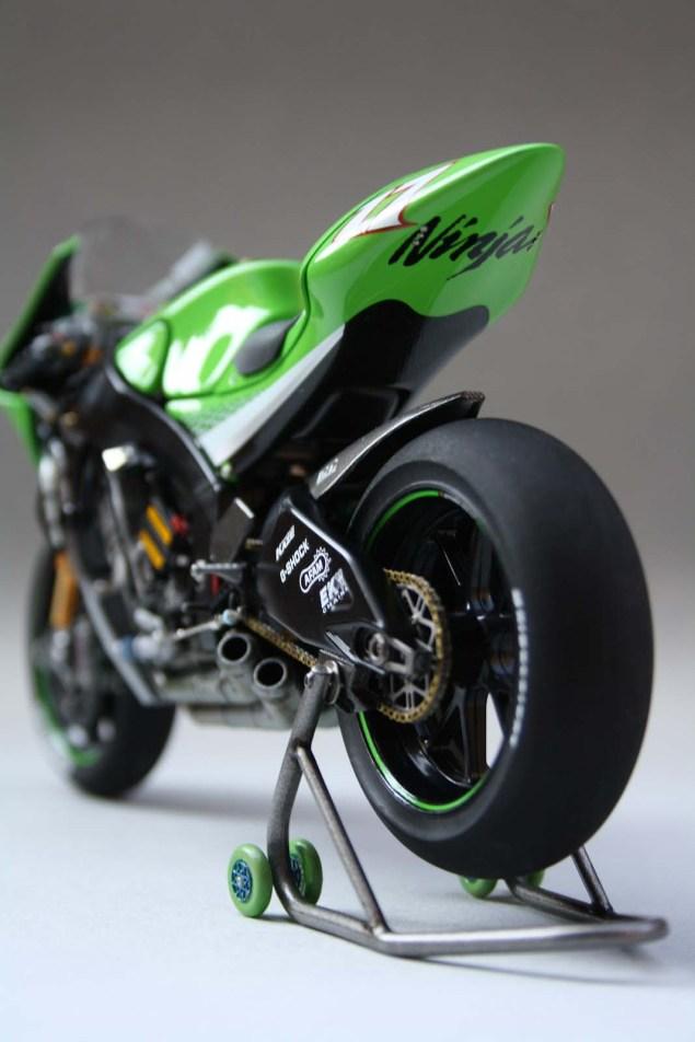 XXX: Randy de Puniets 2006 Kawasaki Ninja ZX RR Randy de Puniet 2006 Kawasaki ZX RR MotoGP scale model 21 635x952