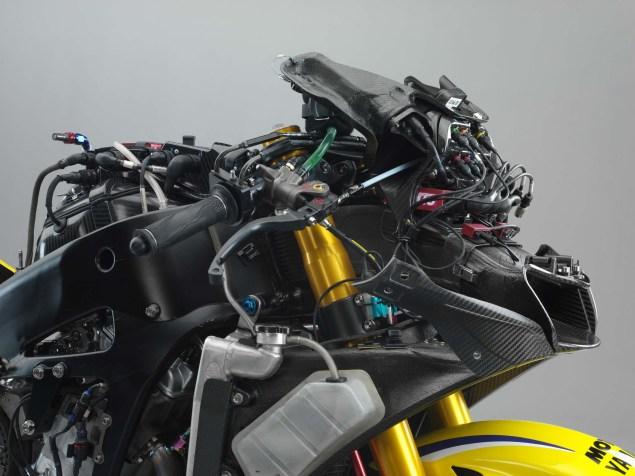 XXX: Valentino Rossis 2006 Yamaha YZR M1 Valentino Rossi 2006 Yamaha YZR M1 hi res 06 635x476