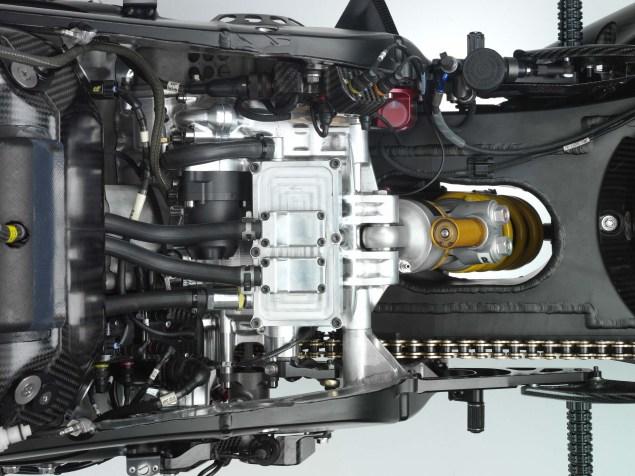 XXX: Valentino Rossis 2006 Yamaha YZR M1 Valentino Rossi 2006 Yamaha YZR M1 hi res 08 635x476