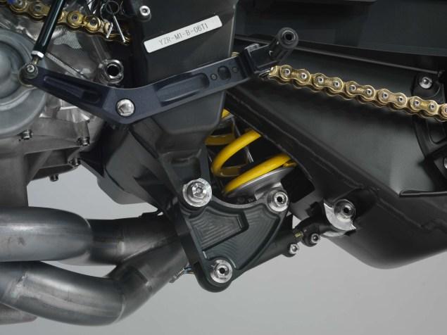 XXX: Valentino Rossis 2006 Yamaha YZR M1 Valentino Rossi 2006 Yamaha YZR M1 hi res 21 635x476