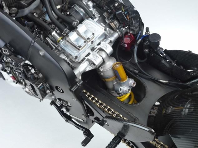 XXX: Valentino Rossis 2006 Yamaha YZR M1 Valentino Rossi 2006 Yamaha YZR M1 hi res 22 635x476