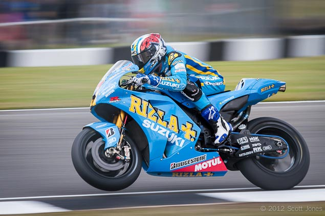 Trackside Tuesday: Chemin Dangereux Ben Spies Rizla Suzuki Donington Park MotoGP Scott Jones