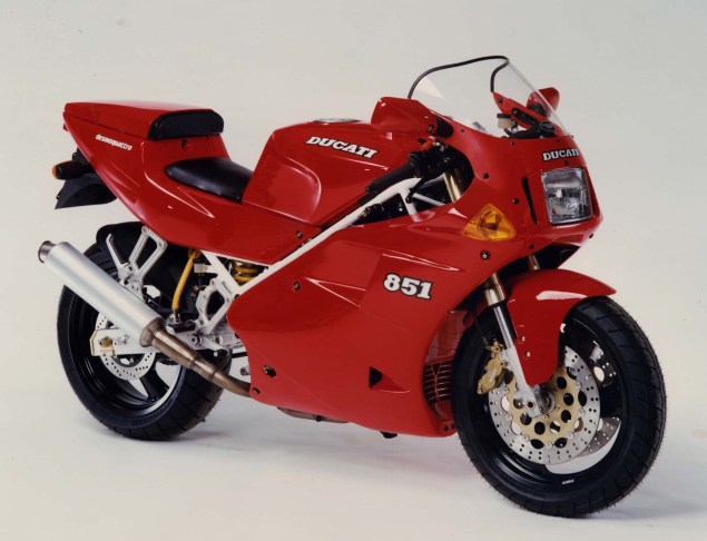 A Quarter Century of Ducati Superbikes in Photos 1991 Ducati Superbike 851 Biposto Desmoquattro 635x486