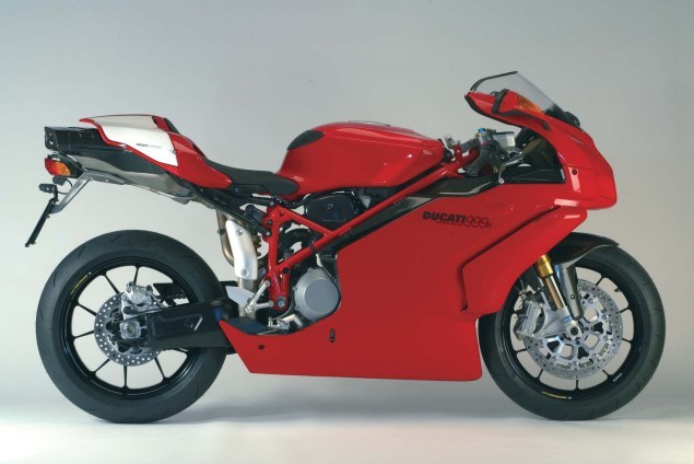 A Quarter Century of Ducati Superbikes in Photos 2003 Ducati Superbike 999R 635x424