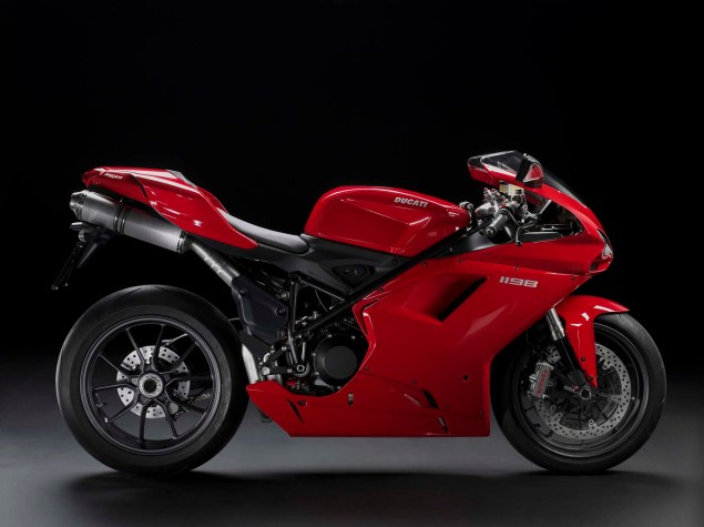 A Quarter Century of Ducati Superbikes in Photos 2009 Ducati Superbike 1198 635x475