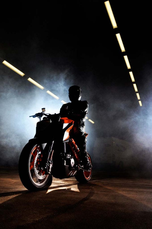 KTM 1290 Super Duke   First Look at the Beast 2013 KTM 1290 Super Duke 01 635x956