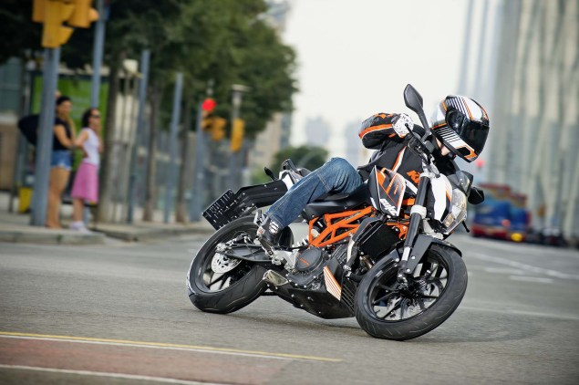More High Res Photos of the KTM 390 Duke 2013 KTM 390 Duke high resolution 03 635x422