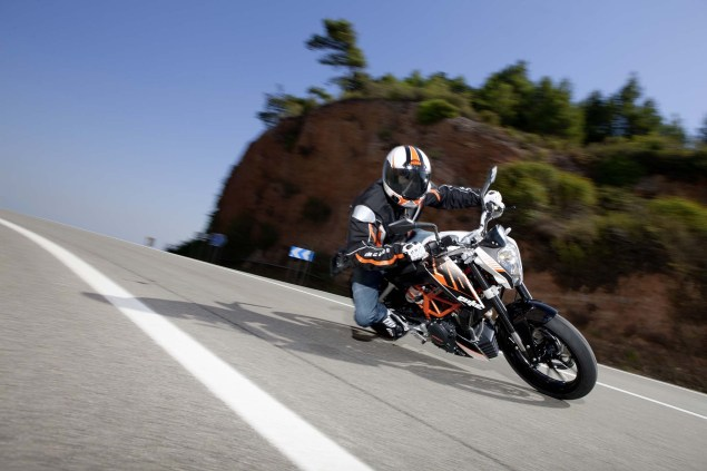 More High Res Photos of the KTM 390 Duke 2013 KTM 390 Duke high resolution 04 635x423