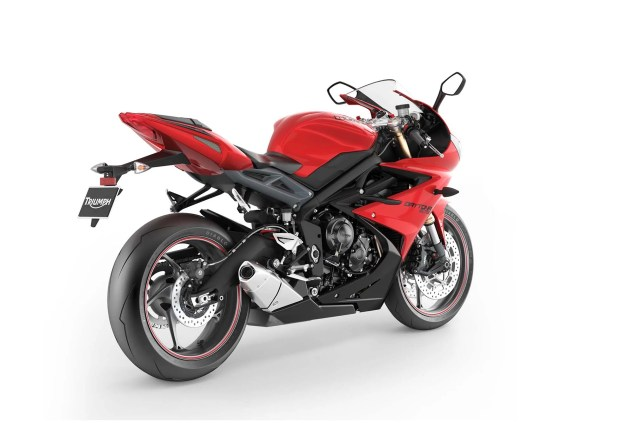 2013 Triumph Daytona 675: 126hp for $11,599 2013 Triumph Daytona 675 03 635x423