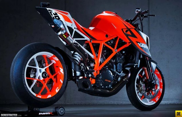 KTM 1290 Super Duke R Prototype Concept Bike KTM 1290 Super Duke R Prototype 01 635x408