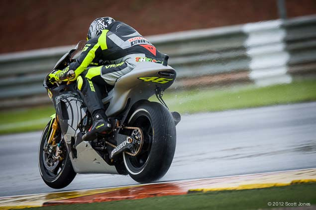 MotoGP: First Shots of Rossi Back on the Yamaha YZR M1 Valentino Rossi Valencia Test Yamaha Racing Scott Jones 11