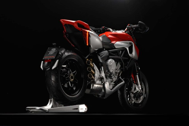 XXX: 29 Photos of the MV Agusta Rivale 800 MV Agusta Rivale 800 02 635x423