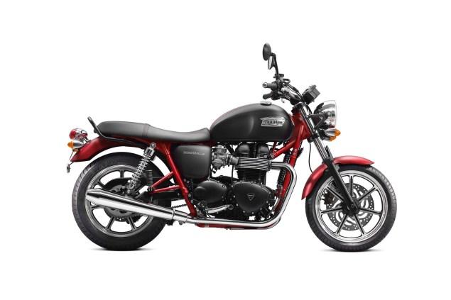 2013-Triumph-Bonneville-SE-02