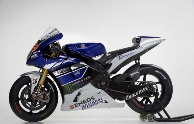 2013-Yamaha-YZR-M1-Jorge-Lorenzo-Valentino-Rossi-17