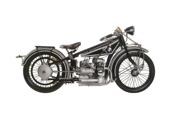 Video: 90 Years of BMW Motorcycles in 90 Seconds BMW R32 635x400