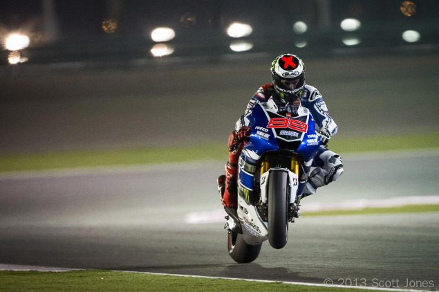 jorge-lorenzo-motogp-yamaha-racing-qatar-wheelie-scott-jones