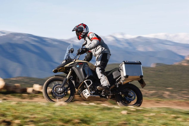 BMW F800GS Adventure   Germanys Middleweight ADV 2013 BMW F800GS Adventure outdoor action 24 635x423