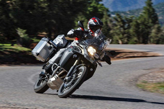 2013-BMW-F800GS-Adventure-outdoor-action-31