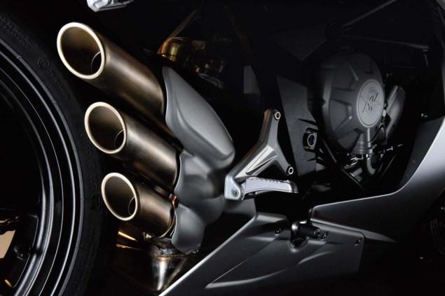 MV Agusta F3 800: 146hp   381 lbs   MVICS   EAS 2013 MV Agusta F3 800 24 635x423