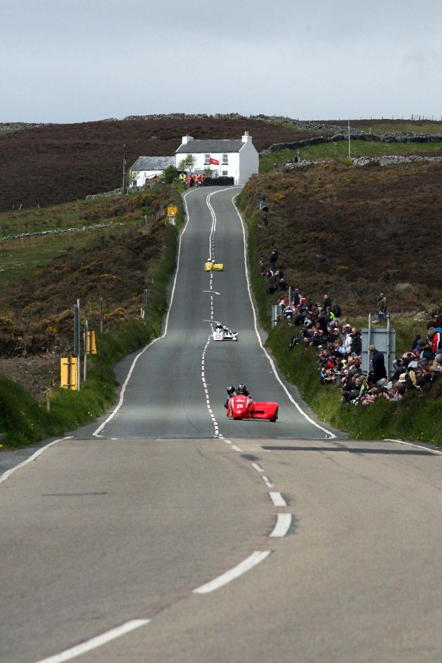 IOMTT: Creg ny Baa with Richard Mushet Creg ny Baa Isle of Man TT Richard Mushet 01 635x952