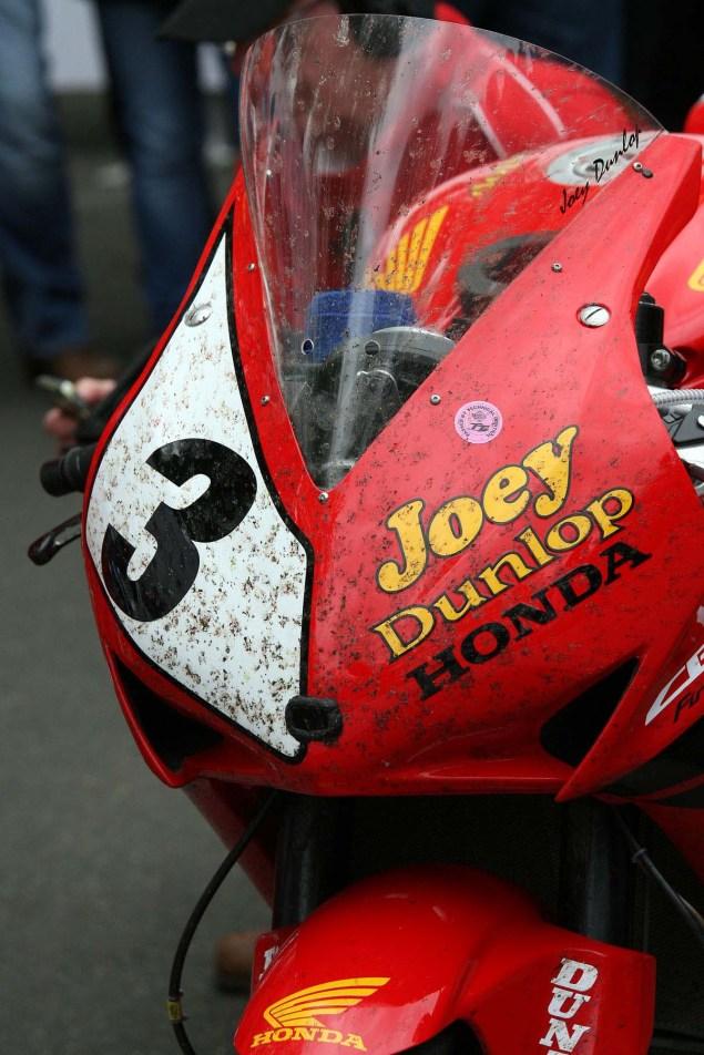 Photos: John McGuinness in Joey Dunlops Honda Livery John McGuinness Joey Dunlop Honda livery IOMTT Richard Mushet 06 635x952