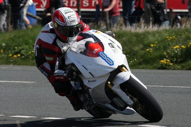 Michael-Rutter-MotoCzysz-TT-Zero-Isle-of-Man-TT-Richard-Mushet