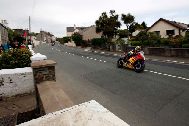 IOMTT: Ballaugh & Ballacrye with Richard Mushet Supersport Superstock Ballaugh Ballacrye Isle of Man TT Richard Mushet 01 635x423