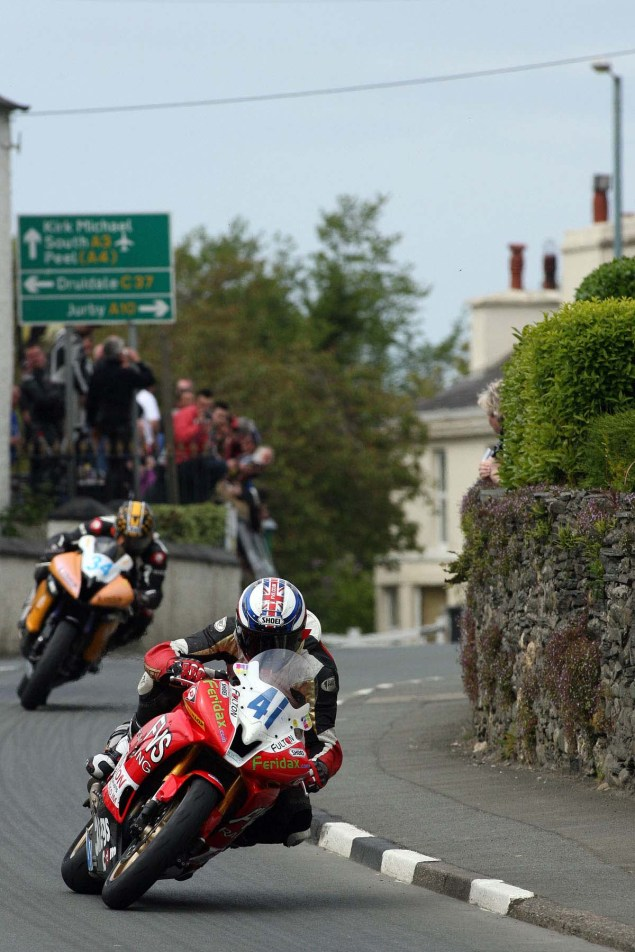 IOMTT: Ballaugh & Ballacrye with Richard Mushet Supersport Superstock Ballaugh Ballacrye Isle of Man TT Richard Mushet 05 635x952