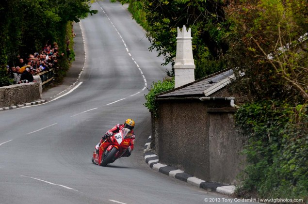 Trackside Tuesday: From Over the Hedge Trackside Tuesday Isle of Man TT 2013 Tony Goldsmith 02 635x421