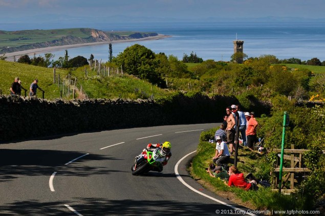Trackside Tuesday: From Over the Hedge Trackside Tuesday Isle of Man TT 2013 Tony Goldsmith 05 635x421